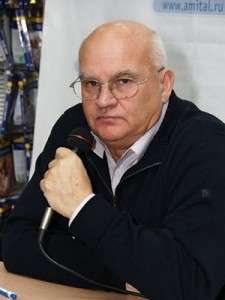 Лапин Александр Алексеевич - журналист, писатель, политик.